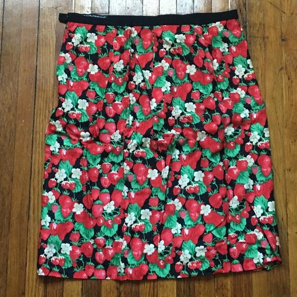 63ccf3bee7 Dolce & Gabbana Dresses & Skirts - Dolce & Gabbana Silk Strawberry Pencil  ...
